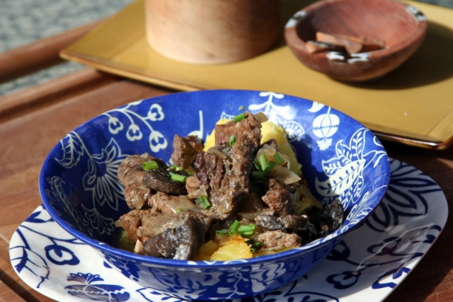 Dairy-free Paleo Crock Pot Beef Stroganoff